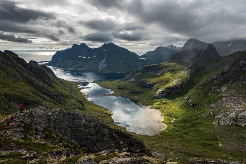 Туры в Норвегию в августе - горное озеро