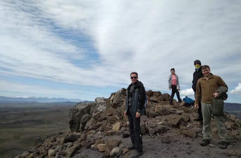 Игорь Колотуха на вершине кратера